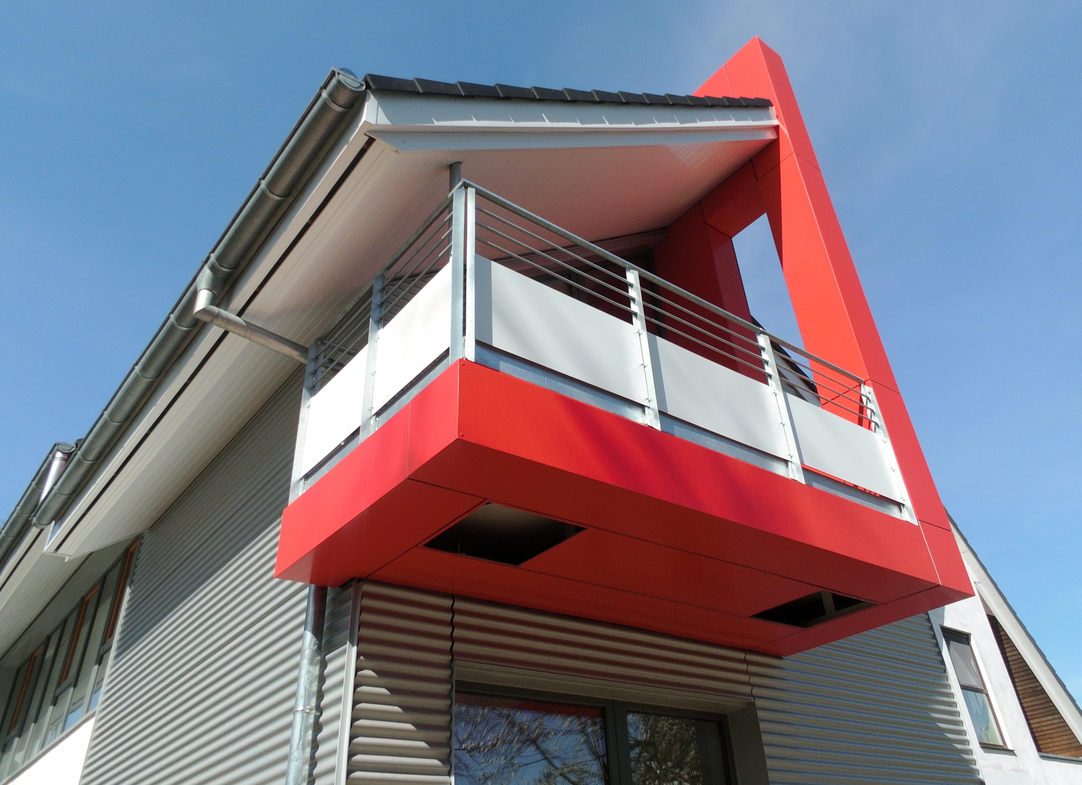 neubau eines einfamilienhauses mit b ro solar plus haus weniger bedachungen gmbh. Black Bedroom Furniture Sets. Home Design Ideas